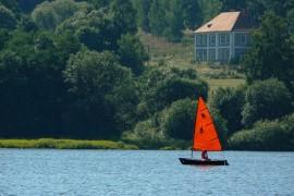 sailing-boat-189693_640