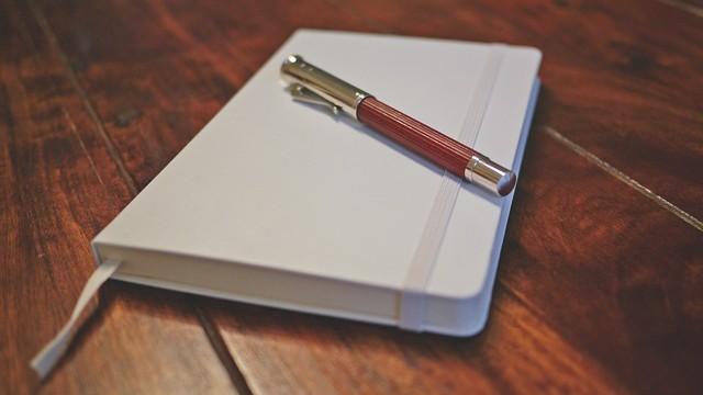 writing-pad-810542_640