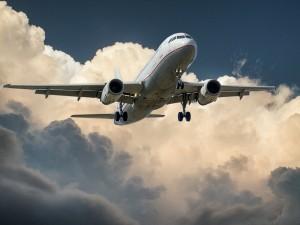 aircraft-537963_1280