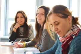 language-school-834138_1280
